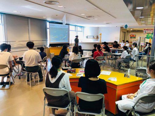 サイエンスワークショップ「没入!バーチャル支笏湖ワールド」が静岡新聞に掲載されました