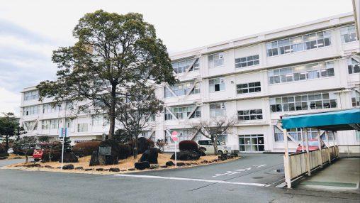 静岡県立富士宮東高校にて、模擬授業「芸術系大学のすゝめ」を行いました